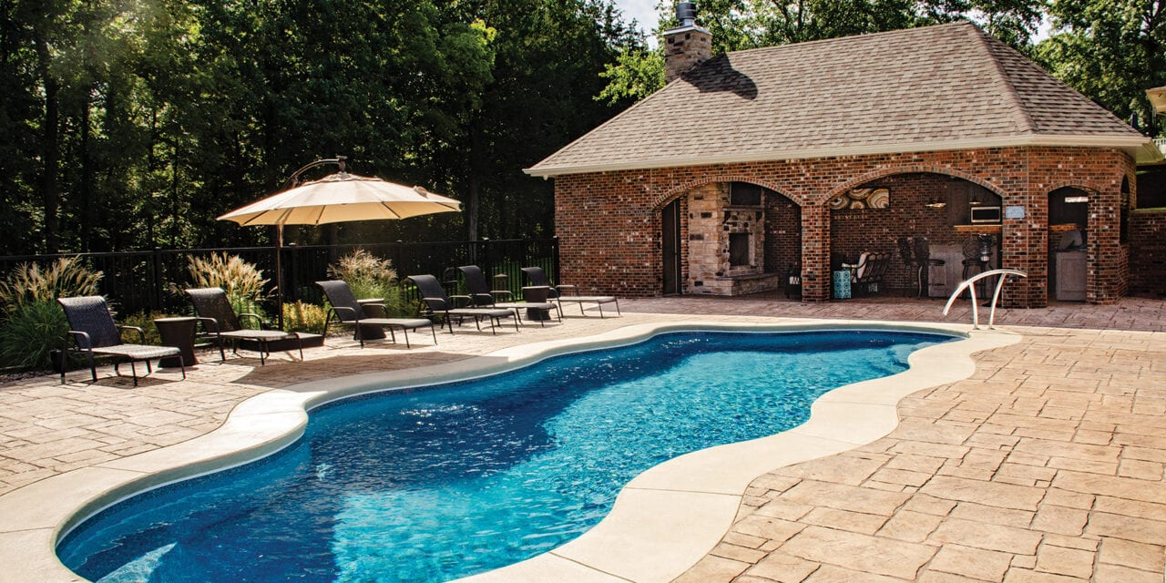 An Entertainer's Poolside Retreat